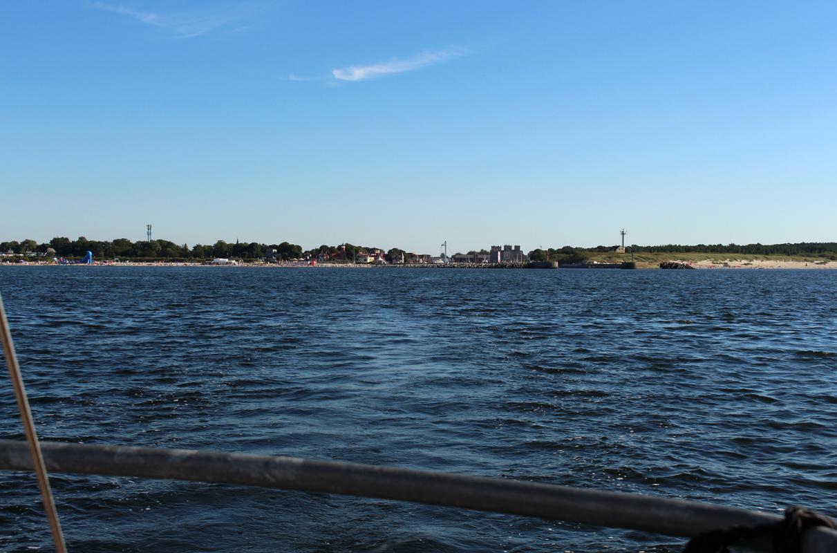 Blick vom Heck von Rith aus auf den Hafen Ustka