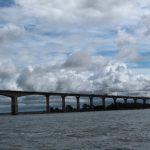 Brücke über den Kalmarsund mit vielen Wolken darüber