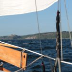 die Küste von Bornholm vom Boot aus gesehen