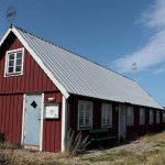 typisches Schwedenhaus aus rot gestrichenem Holz