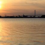 Silhouette von Stralsund im Abendlicht
