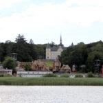 Schlosshotel und Freilichtbühne in Ralswiek